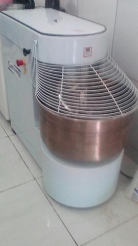 Amassadeira para massas - ideal para massas de pães e bolachas - padaria ou supermercado - Foto 2