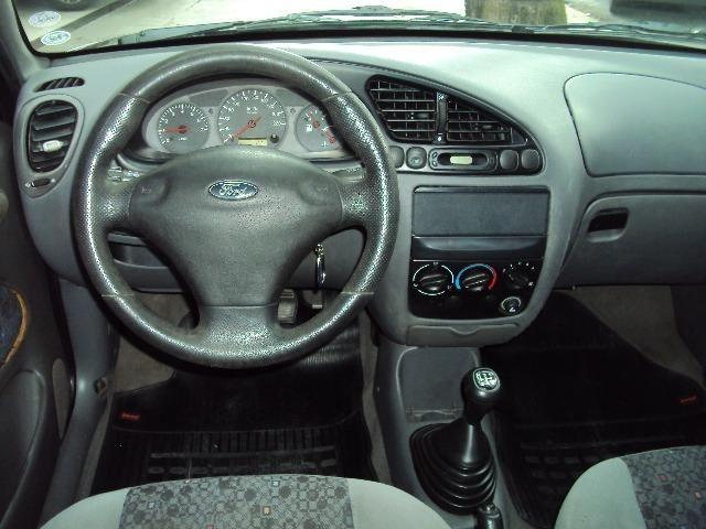 Fiesta Hatch Class 1.0 8v Zetec 2001 4 Ptas - Direção Hidr - Conj. Elétrico - Confira.! - Foto 2