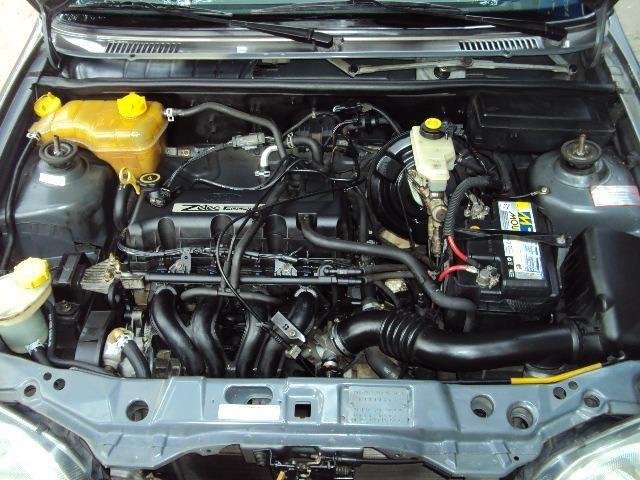 Fiesta Hatch Class 1.0 8v Zetec 2001 4 Ptas - Direção Hidr - Conj. Elétrico - Confira.! - Foto 12