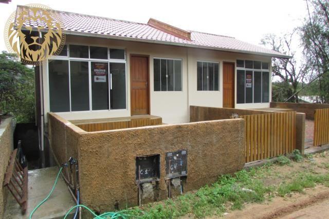 Casa 2 dormitórios para aluguel anual no rio tavares em florianópolis.