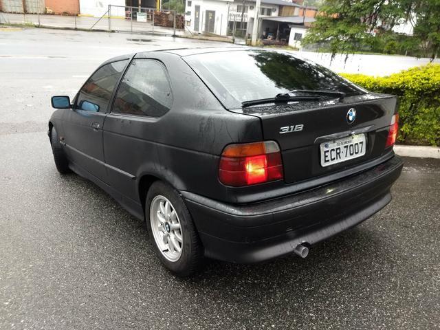 BMW 318i COMPACT ANO 95 MANUAL 4 CC COMPLETA FUNCIONA - Foto 2