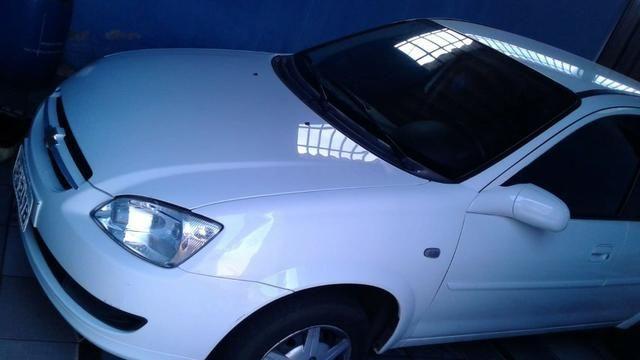Vendo Chevrolet Classic LS E 1.6 Flex 2013/2014 - Foto 2