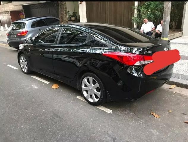 Vendo Hyundai Elantra 1.8 - aceito 5 mil na mão + parcelas no boleto - Foto 2