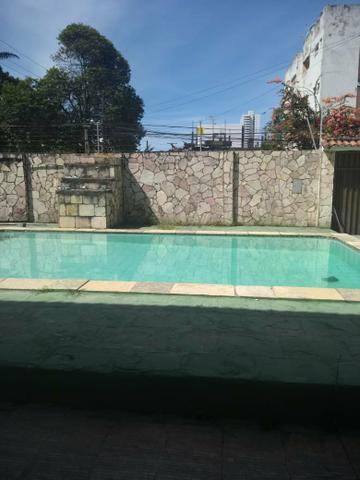 Excelente Casa com Piscina em Candeias - Foto 2