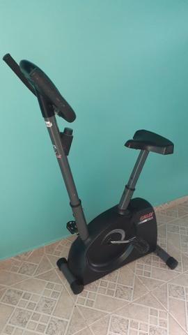 Bicicleta ergometrica semi nova