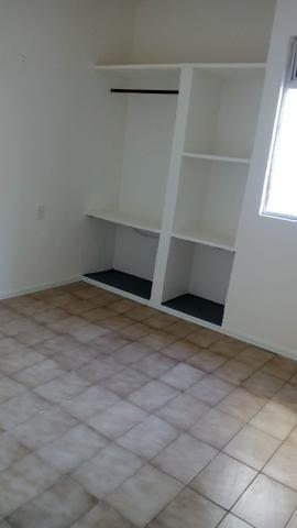Aluga-se apartamento térreo na Tabuba - Foto 7