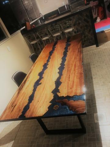 Mesa de Jantar (River Table)
