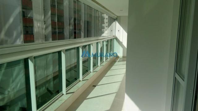 Murano Imobiliária aluga apartamento de 3 quartos na Praia da Costa, Vila Velha - ES