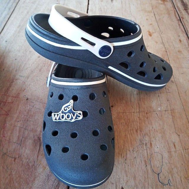 Chinelo estilo Crocs - Foto 2