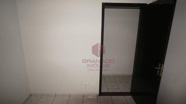 Apartamento com 3 dormitórios para alugar, 70 m² por R$ 1.300,00/mês - Zona 07 - Maringá/P - Foto 9