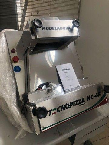 Máquina Modeladora de Pizza MC-45