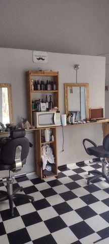 Passo barbearia montada ótima clientela  - Foto 2