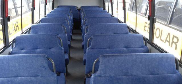 Bancos de micro ônibus escolar