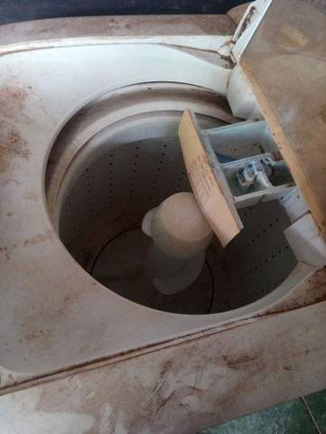 Maquina de lavar Eletrolux 8kg com defeito por 150 reais - Foto 4