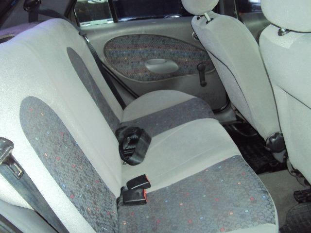 Fiesta Hatch Class 1.0 8v Zetec 2001 4 Ptas - Direção Hidr - Conj. Elétrico - Confira.! - Foto 6