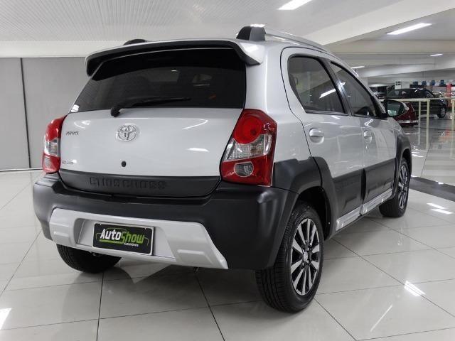 Toyota Etios Cross 1.5 Flex Prata - Foto 4