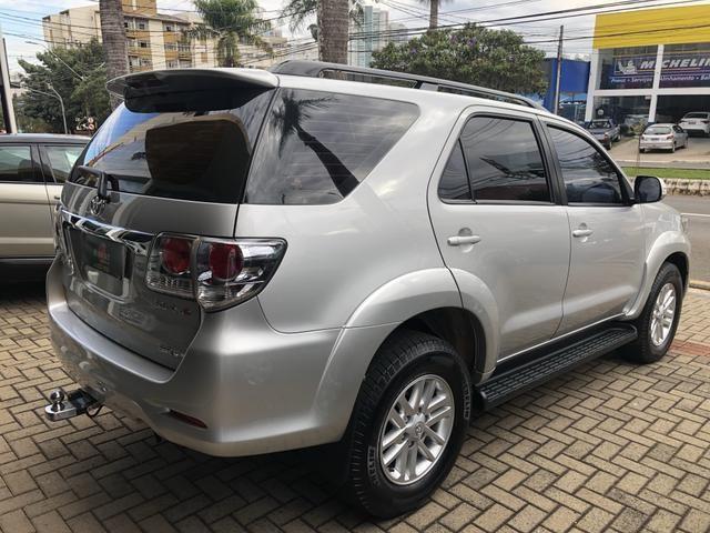 Toyota Hilux Sw4 3.0 Disesl Aut. 4x4 - Foto 6