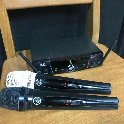 Microfone sem fio base dupla AKG