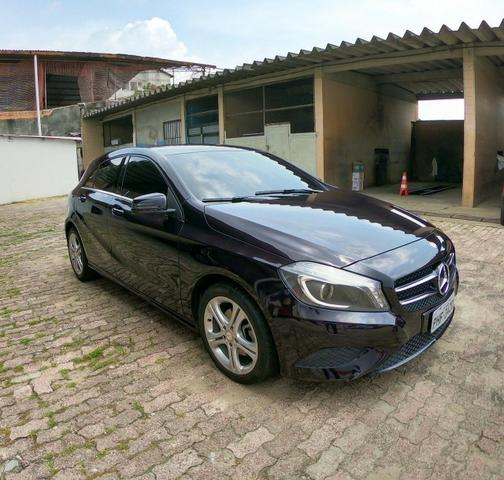 Vende-se Mercedes Benz A200