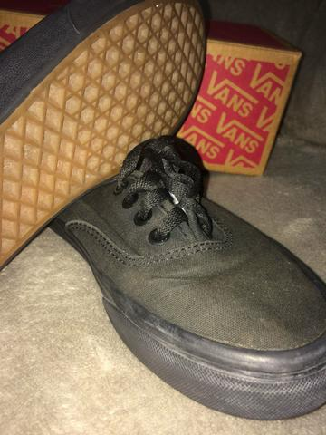 Tênis Vans Authentic All Black 35 - Foto 2