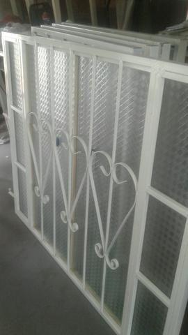 Temos portas e janelas novas completas! - Foto 2