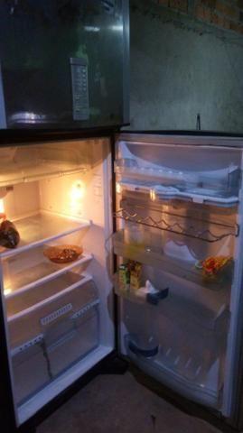 Vendo essa geladeira brastemp frostfree - Foto 5