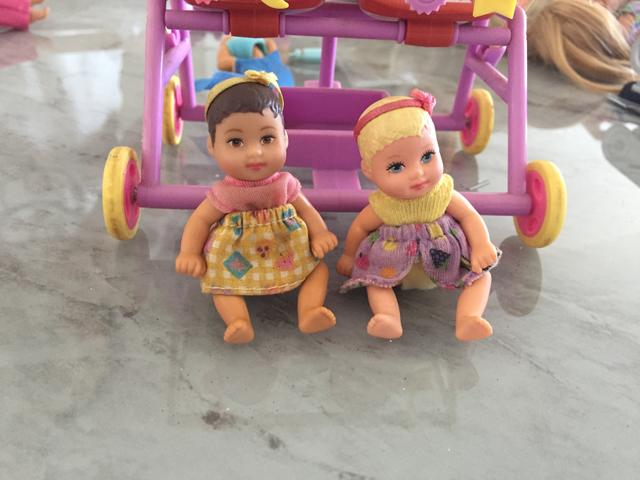 Barbie babá + Barbie pediatra - Foto 2