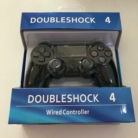 Controle de PS4 na caixa