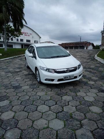 Honda Civic Lxs 1.8 Branco - Baixo KM - Foto 9