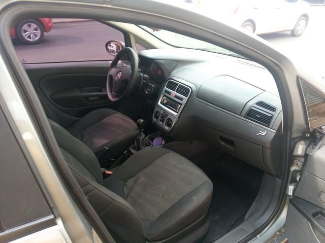 Fiat Punto 1.4 Attractive 2011 Completo - Foto 8