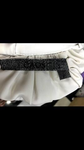 Bata Caos, linda, medieval, tamanho P, seda
