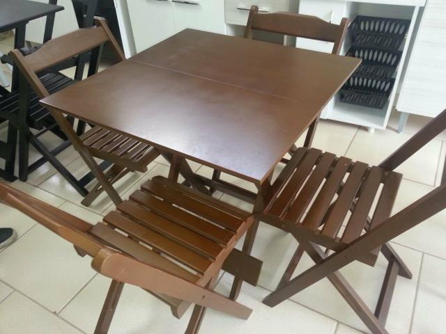 Comjunto de mesa dobrável de madeira - Foto 2