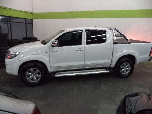 Toyota Hilux CD 2.7 16V Flex/GNV Automatico Completo Couro 2013 Branca - Foto 3