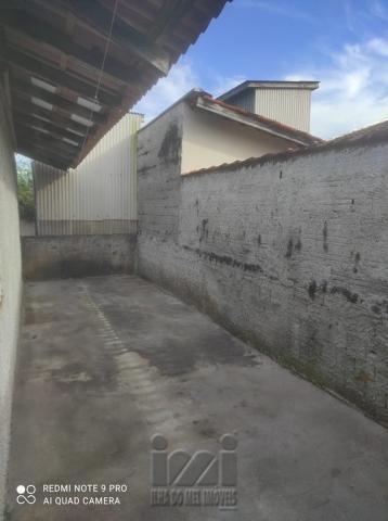 EXECELENTE CASA COM AMPLO TERRENO EM IPANEMA - Foto 16