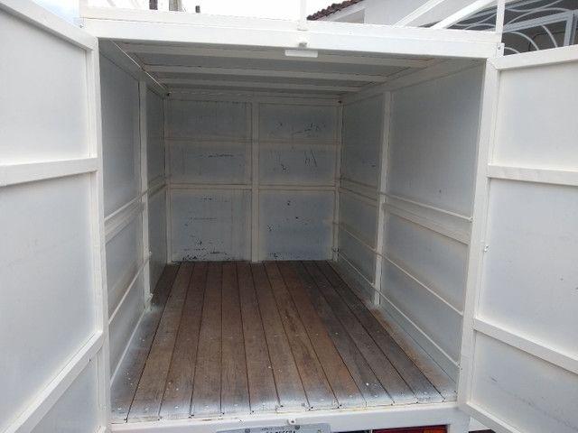 Reboque baú 2 eixos, 1500 kg de carga R$ 8000 - Foto 3