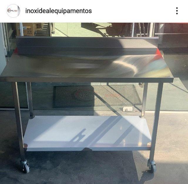 Bancada com Rodízios Fabricante Ideal Inox