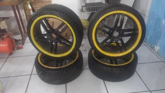 Jogo de roda aro 19, 5 furos 5x114 , pneus novos