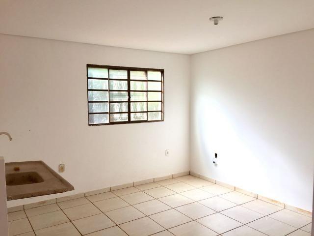 Casa com 2 quartos e quintal no Canaa 1 - Foto 5
