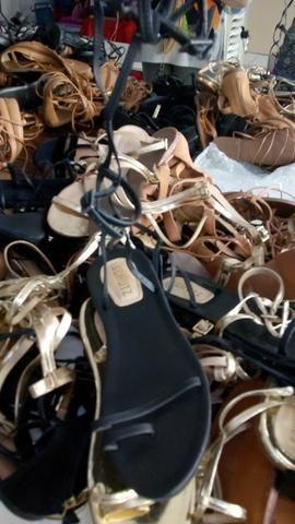 Venha conferir é nesse sábado peças a 1.00 e lindos sapatos novos 5.00 - Foto 2