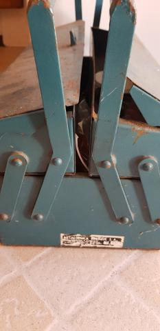 Caixa de ferramentas sanfonada metálica