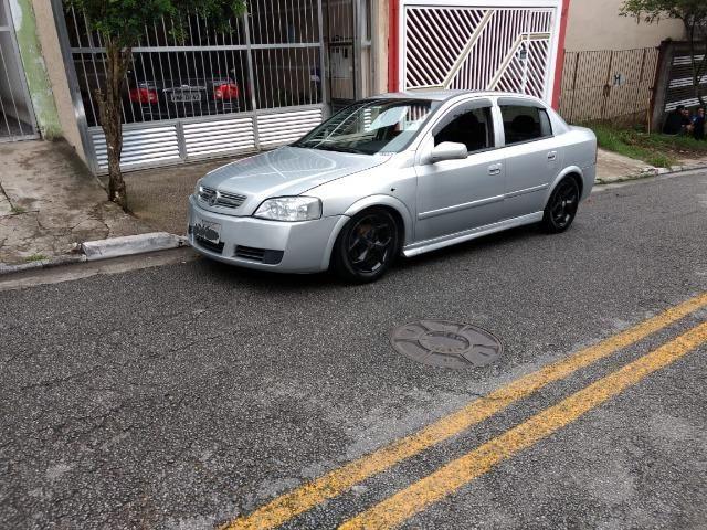 Astra Confort 2005 sedan 2.0
