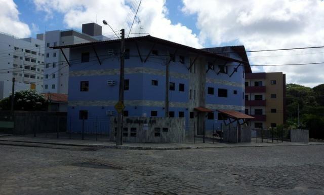 Apartamento de 2 dormitórios com DUAS vagas de garagem, oportunidade - Foto 2