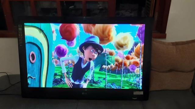 Vendo TV Lg 42 polegadas com controle - Foto 2