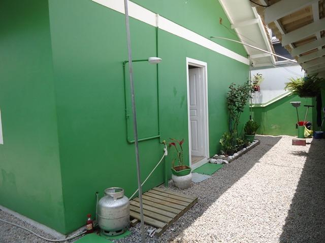 Casa econômico com 03 dormitórios, á 900m da Praia de Bombas. Cód.025 - Foto 16