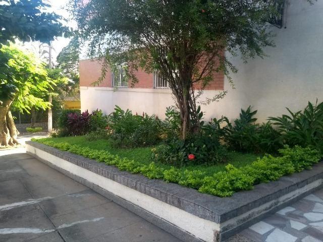 Apartamento recém reformado, de 3 dormitórios, 2 banheiros no Jardim Amália ! - Foto 2