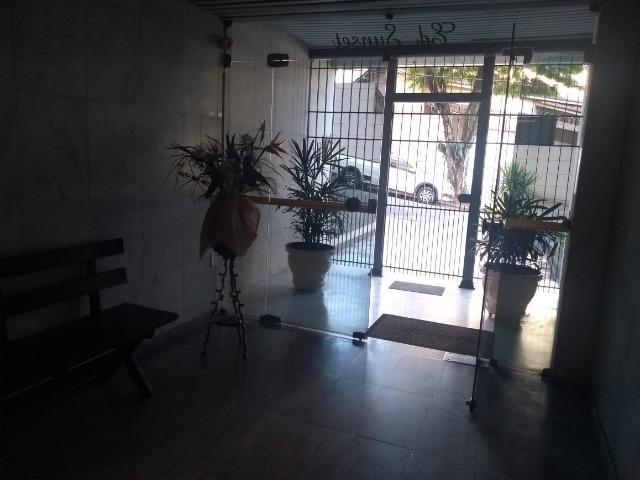 Apartamento recém reformado, de 3 dormitórios, 2 banheiros no Jardim Amália ! - Foto 3
