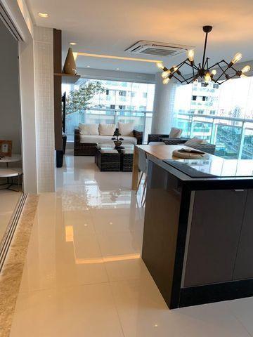 Vende-se Maravilhoso Apartamento no Ed. Mirage Bay com 4 suítes, 3 vagas - Foto 7