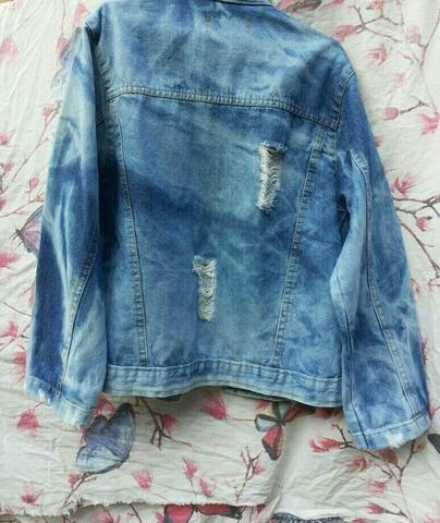 Jaqueta jeans azul feminina - Foto 2