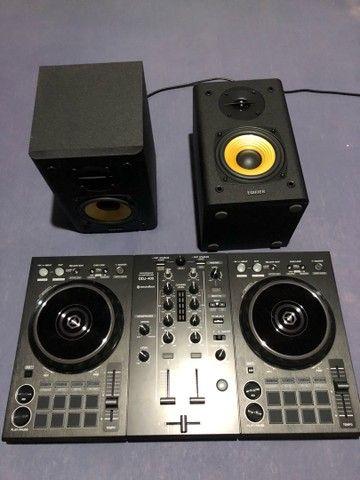 Controladora DDJ 400 + Monitor de Áudio - Foto 3