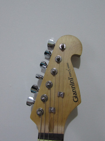 Guitarra Giannini Strato 3 Singles G100 Sunburst e Acessorios - Foto 3